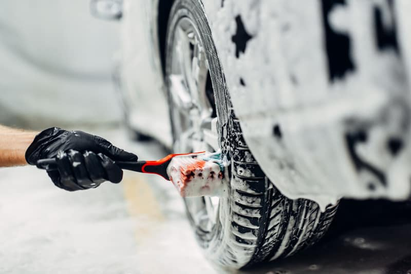 Car Wash Brush With Soap Dispenser